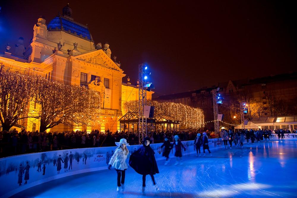 Zagreb, prosinac 2014.Klizalište na Tomislavovom trguSnimio Igor Nobilo